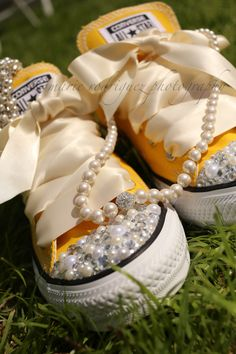 wedding Chucks bedazzled Converse tennis shoes sneakers pearls necklace green grass Charleston, SC marie rodriguez photography dafotochica www.marierodriguezphotography.com