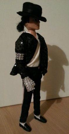 Michael Jackson Doll  Redress Billie Jean  - http://www.michael-jackson-memorabilia.co.uk/?p=7484