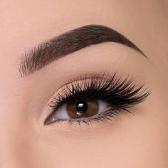Our exclusive Lemonade lash is a 3 Dimensional, double-stacked faux silk lash that creates the perfect cat-eye look, without the heavy weight. This lash is hand Makeup Inspo, Makeup Inspiration, Makeup Tips, Hair Makeup, Cute Makeup, Gorgeous Makeup, Makeup Looks, Best Eyelash Curler, Tips Belleza