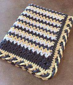 Crochet Borders Criss-Cross EdgingThis crochet pattern / tutorial is available for free. Full Post: Criss-Cross Edging - Criss-Cross EdgingThis crochet pattern / tutorial is available for free. Love Crochet, Double Crochet, Easy Crochet, Crochet Baby, Crotchet, Tutorial Crochet, Crochet Afghans, Crochet Blanket Patterns, Crochet Edges For Blankets