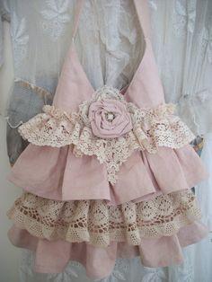 Cute victorian bag!