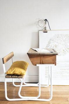 Bureau enfant bois - Années 60 - Mobilier vintage - Bel Ordinaire