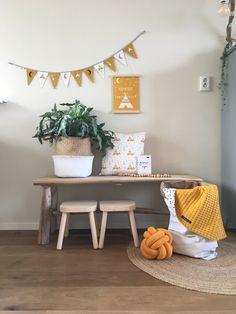 Wagendeken- Wiegdeken - Ledikantdeken - aan twee zijden te gebruiken - Muffie & Snuffie - wafelstof - babykamer - kinderkamer - handgemaakt - zwanger - baby - kraamkado - babyuitzet - babykamerinspiratie - kinderkamerinspiratie Big Girl Bedrooms, Little Girl Rooms, Baby Bedroom, Kids Bedroom, Kids Homework Room, Cute Furniture, Kids Corner, Baby Kind, New Living Room