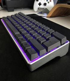 Best Gaming Setup, Gaming Room Setup, Computer Setup, Gaming Computer, Office Setup, Pc Setup, Desk Setup, Diy Mechanical Keyboard, Pc Keyboard