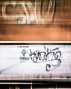 Graffiti art ist everywhere to find. This one I found on a railway bridge in Cologne. But i cant decipher the sprayed tag. Can you? . . . . . #creativecloud_lookup #explorerdiary #instagram #iphonephotography  #theurbanscape #urban_shots #rawurbanshots #Loves_United_Urban #urban_street_shooters  #wonderearthurbanclub  #urbanandstreet #visualseduction #urbanaisle #cityunit #theglassedones  #creativetones #playoftones #visualsmovement #creativeshot #creative_ace #conquer_ca #graffitiwallart…