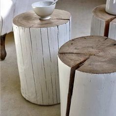 ♂ Neutral interior nature wood home deco easily made from a tree stump and whit paint! Tree Stump Table, Tree Table, Tree Stumps, Wood Stumps, Wood Logs, Wood Trunk, Birch Logs, Log Side Table, Garden Side Table