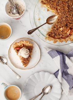 Homemade Apple Crumble Pie (vegan) Recipe - Love and Lemons