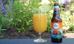Een sangria-achtige drank met bier als basis? Met dit recept maak je eenvoudig zelf een bier sangria. Lekker voor de zomerse dagen. In mijn jonge jaren toen ik op 'cultuurvakantie' naar Lloret de Mar ging mixten we sangria met sinaasappelsap en ananassap. Dit hadden we geleerd in een lokale bar aldaar. Het recept van toen […] The post Bier sangria, recept om zelf te maken appeared first on Hopblog.nl. Ipa, Bottle, Drinks, Food, Meal, Flask, Eten, Drink, Meals