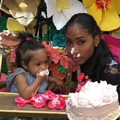 Omarion & Apryl Jones On Their Co-Parenting Duties For Daughter A'mei's First Birthday Bash Apryl Jones, Mix Baby Girl, Black Mother, Mixed Babies, Co Parenting, Baby Monitor, Beautiful Family, Birthday Bash, First Birthdays