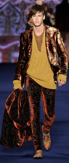 ETRO Man Autumn Winter 13-14 Fashion Show  Love the velvet jacket and trousers, the shirt however isn't working for me