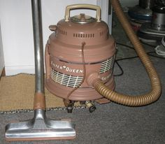 filter queen vacuum - my mother always wished she had never traded her in ! Kirby Vacuum, Vintage Filters, Vintage Laundry, Vacuum Cleaners, The Good Old Days, Vacuums, Vintage Pictures, Childhood Memories, Cleaning