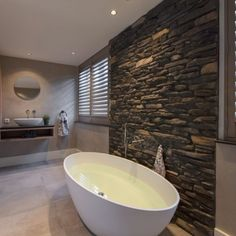 Bathroom Goals, Bathroom Spa, Master Bathroom, Beautiful Bathrooms, Bathroom Interior Design, Interior And Exterior, Bungalow, Home Goods, Sweet Home