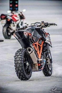 Resultado de imagem para ktm 990 supermoto off road Ktm Motorcycles, Custom Motorcycles, Custom Bikes, Ktm 690, Duke Bike, V Max, Moto Bike, Harley, Dirtbikes