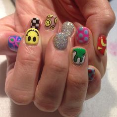 Mix and Match Pop Art nails for Teresa! Inspired by her 2 year old daughter, Emma 😃 (at Hey Nice Nails) Pop Art Nails, Aycrlic Nails, Swag Nails, Nail Design Stiletto, Nail Design Glitter, Stiletto Nails, Hippie Nails, Hippie Nail Art, Mens Nails