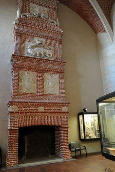 La Cheminée de l'ancienne Salle des Fêtes du Château de Saint-Germain-en-Laye - Yvelines by Philippe_28, via Flickr