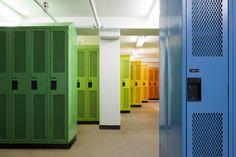 Académie Sainte-Anne Academy - école primaire / elementary school - casiers / locker room - par / by Taktik design