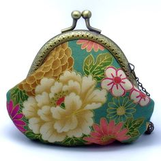 Peony, Sakura and Chrysanthemum - Japanese Kimono Fabric-small clutch / Coin purse Cute Coin Purse, Green Kimono, Purses And Bags, Coin Purses, Kimono Fabric, Japanese Kimono, Lining Fabric, Clutch Purse, Fabric Patterns