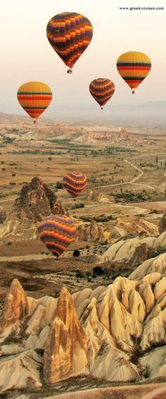 Hot Air Ballooning In Cappadocia (Turkey) Places Around The World, Oh The Places You'll Go, Places To Travel, Places To Visit, Cruise Greek Islands, Greek Cruise, Wonderful Places, Beautiful Places, Istanbul