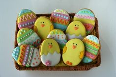 Pollitos Fondant Cookies, Sugar Cookies, Easter Cookies, Easter Crafts, Cookie Decorating, Easter Eggs, Sweets, Sweety Pie, Ideas