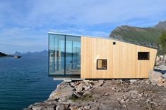 Manshausen Island resort is a Product Launch Venue in Nordland, Norway. See photos and contact Manshausen Island resort for a tour. Vacation Home Rentals, Cabin Rentals, Maison Sur Leau, Resorts, Mos Architects, Ideas De Cabina, Timber Cabin, Haus Am See, Boutique Homes