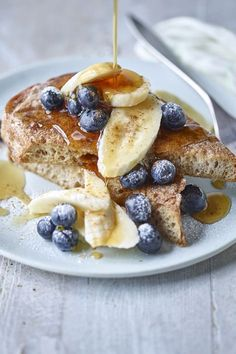 Discover The Body Coach Cinammon French Toast recipe for a heatlhy card rich breakfast idea that is from Joe Wicks and his weight loss book