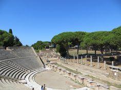 Dernière journée de notre City Trip à Rome. Au programme, découverte de la cité d'Ostia Antica, du quartier Eur pour voir Rome autrement.
