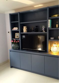 Contemporary media entertainment unit in wandsworth home in 2019 гостиная. Living Room Wall Units, Living Room Shelves, Living Room Storage, Home Theather, Alcove Storage, Media Furniture, Muebles Living, Tv Decor, Home Decor