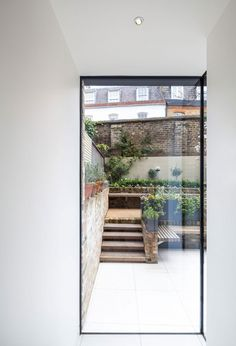 Grade II listed Chelsea town house extension by Moxon Architects in Architecture & Interior design Design Exterior, Interior And Exterior, Modern Interior, Architecture Details, Interior Architecture, Outdoor Spaces, Outdoor Living, House Extensions, Bungalows