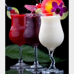 Happy National #daiquiri day!!! What's your favorite flavor? Tag someone who drinks them or makes a kick a$$ daiquiri