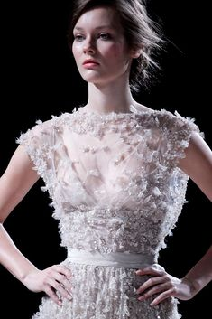 Elie Saab Spring 2011 Couture Fashion Show Beautiful Gowns, Beautiful Outfits, Look Fashion, Fashion Show, Fashion Details, High Fashion, Costura Fashion, Elie Saab Spring, Elie Saab Couture