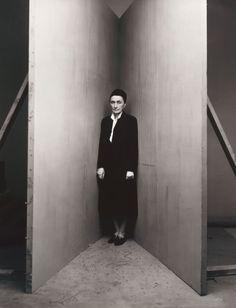 Foto de Irving Penn a Georgia O'Keeffe (B), New York, January 31, 1948, printed September 1991. Ella fue una artista estadounidense, pionera en el campo de las artes visuales y famosa residente de Nuevo México.