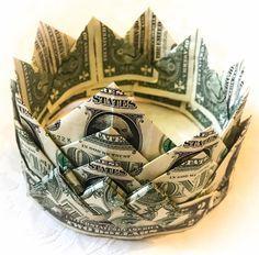 Guam Money Leis with Ashley Salas Money Lei, Money Origami, Paper Crafts Origami, Money Cake, Oragami, Creative Money Gifts, Money Gifting, Gift Money, Birthday Money