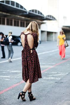 a pair and a spare . diy fashion: DIY INSPIRATION - CUT OUT BACK DRESS