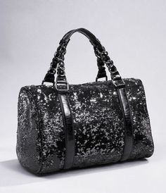 I would totally buy this if the style of the bag was a little cuter