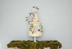 The Botanical Collection by Rosalind Miller: Beautiful Wedding Cakes see more at http://www.wantthatwedding.co.uk/2015/02/27/the-botanical-collection-by-rosalind-miller-beautiful-wedding-cakes/