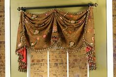 Catherine Valance by Pate-Meadows Designs OK I decided this is the pattern I am going to buy and make for my living room. Kitchen Window Treatments, Custom Window Treatments, No Sew Curtains, Valance Curtains, Kitchen Curtains, Window Valances, Window Blinds, Drapery Panels, Valance Patterns