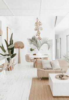 Living Room Trends, Chic Living Room, Living Room Decor, Barn Living, Bohemian Style Home, Bohemian Decor, Home Interior, Interior Design, Interior Ideas