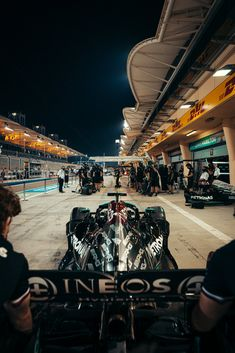 Mercedes Sport, Mercedes Amg, Red Bull Racing, F1 Racing, Sports Wallpapers, Car Wallpapers, Formula 1 Car Racing, Cold Pictures, F1 Lewis Hamilton