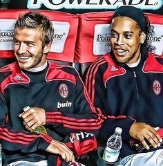 David Beckham and Ronaldinho AC Milan Football Is Life, World Football, Football Soccer, Ronaldo, Beckham Football, Italian League, Pier Paolo Pasolini, Barcelona, Chelsea Fc