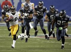 Steelers RB Willie Parker on his way to the record books with his 75 yard TD run against Seattle in Super Bowl XL (2006)