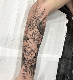half sleeve tattoo designs and meanings Sweet Tattoos, Girly Tattoos, Time Tattoos, Flower Tattoos, Body Art Tattoos, Cool Tattoos, Flower Tattoo On Forearm, Tatoos, Tattoos For Women Half Sleeve