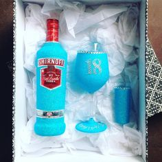 Vodka, Glass & Shot Glass – Glittering Gifts Australia & New Zealand Pty Ltd Bling Bottles, Glitter Wine Bottles, Glitter Wine Glasses, Diy Wine Glasses, Bedazzled Bottle, Shot Glasses, Wine Glass Designs, Wine Bottle Design, Wine Bottle Art