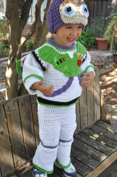 Oh my...I just ran across this Costume!!!   I wish that I could pull this off for my grandson...  Maybe I could get a head start for next year!