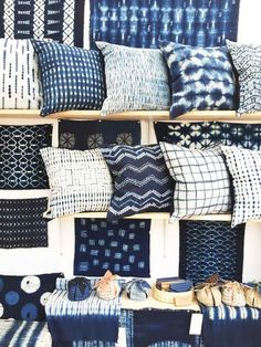 If you become stuck for ideas, you cam see this elegant mudcloth pillow design and you'll be able to get a great deal of ideas that are helpful. Blue Bedroom, Trendy Bedroom, Diy Bedroom, Bedroom Rugs, Bedroom Ideas, Indigo Bedroom, Indigo Curtains, Indigo Walls, Bedroom Small