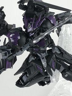 バルバトスルプスとアストレイノーネイムのミキシングです。アストレイノーネイムを触っていたときに可動範囲が狭く感じたので可動範囲が良いバルバトスルプスとミキシングしました。 名前の由来は「バルバトス」か Mythological Monsters, Gundam Custom Build, Gunpla Custom, Game Concept Art, Gundam Model, Mobile Suit, Armored Vehicles, Creature Design, Digimon