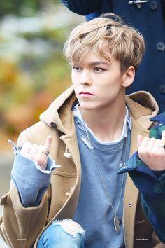 kpop idol as your - 𝐡𝐚𝐧𝐬𝐨𝐥 𝐯𝐞𝐫𝐧𝐨𝐧 𝐜𝐡𝐰𝐞 Woozi, Wonwoo, Jeonghan, Seungkwan, Vernon Seventeen, Seventeen Debut, Carat Seventeen, Hip Hop, Btob
