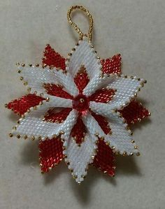 Pattern from Thread a bead. Reversible Christmas Flower – Valentine's Day Beaded Flowers Patterns, French Beaded Flowers, Beaded Jewelry Patterns, Beading Patterns, Beaded Christmas Decorations, Christmas Ornament Crafts, Christmas Jewelry, Felt Christmas, Homemade Christmas