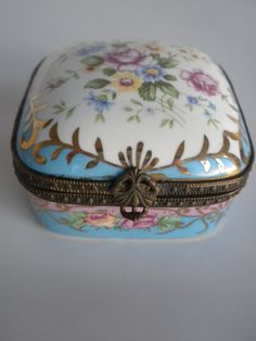 Flowered Porcelain Trinket Box Hinged Porcelain Box by oldandnew8, $12.00