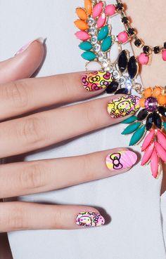 ncLA x Hello Kitty   Nail Wraps   Tie Dye