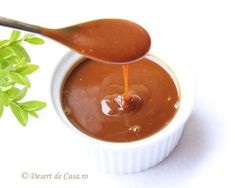 Macarons - Reteta in imagini - DesertdeCasa. Creme Caramel, Romanian Food, Chocolate Fondue, Macarons, Mousse, Cheesecake, Food And Drink, Cooking Recipes, Pudding
